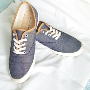 American Eagle sneakers, gray chambray